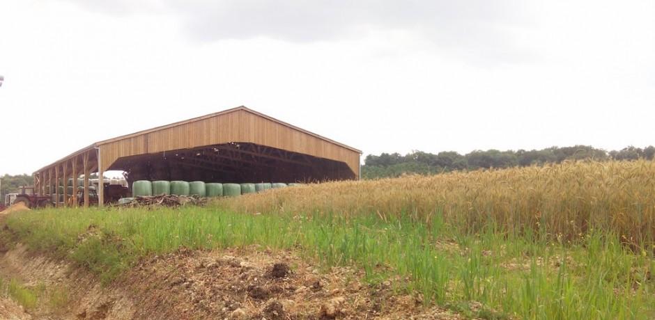 hangar de stockage de fourrage batiment ouvert